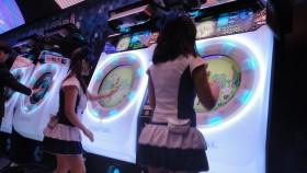 Borne_arcade_maimai_joueuses