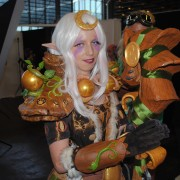 japan-expo-2013-cosplay-world-of-warcraft-elf-de-la-nuit-druide-01
