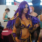 japan-expo-2013-cosplay-world-of-warcraft-elf-de-la-nuit-druide-02