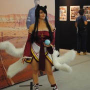 japan-expo-2013-cosplay-league-of-legend-ahri-03