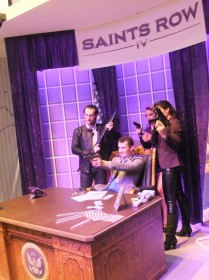 japan_expo_et_comic_con_2013_stand_saints_row_03