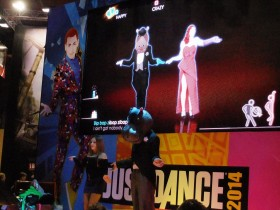 PGW_2013_stand_ubisoft_Just_dance_14_01