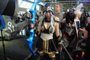 japan_expo_2015_stand_league_of_legend_riot_games_cosplay_ashe (2)