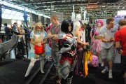 japan_expo_2015_stand_league_of_legend_riot_games_cosplay_fiora (2)