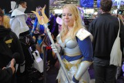 japan_expo_2015_stand_league_of_legend_riot_games_cosplay_lux