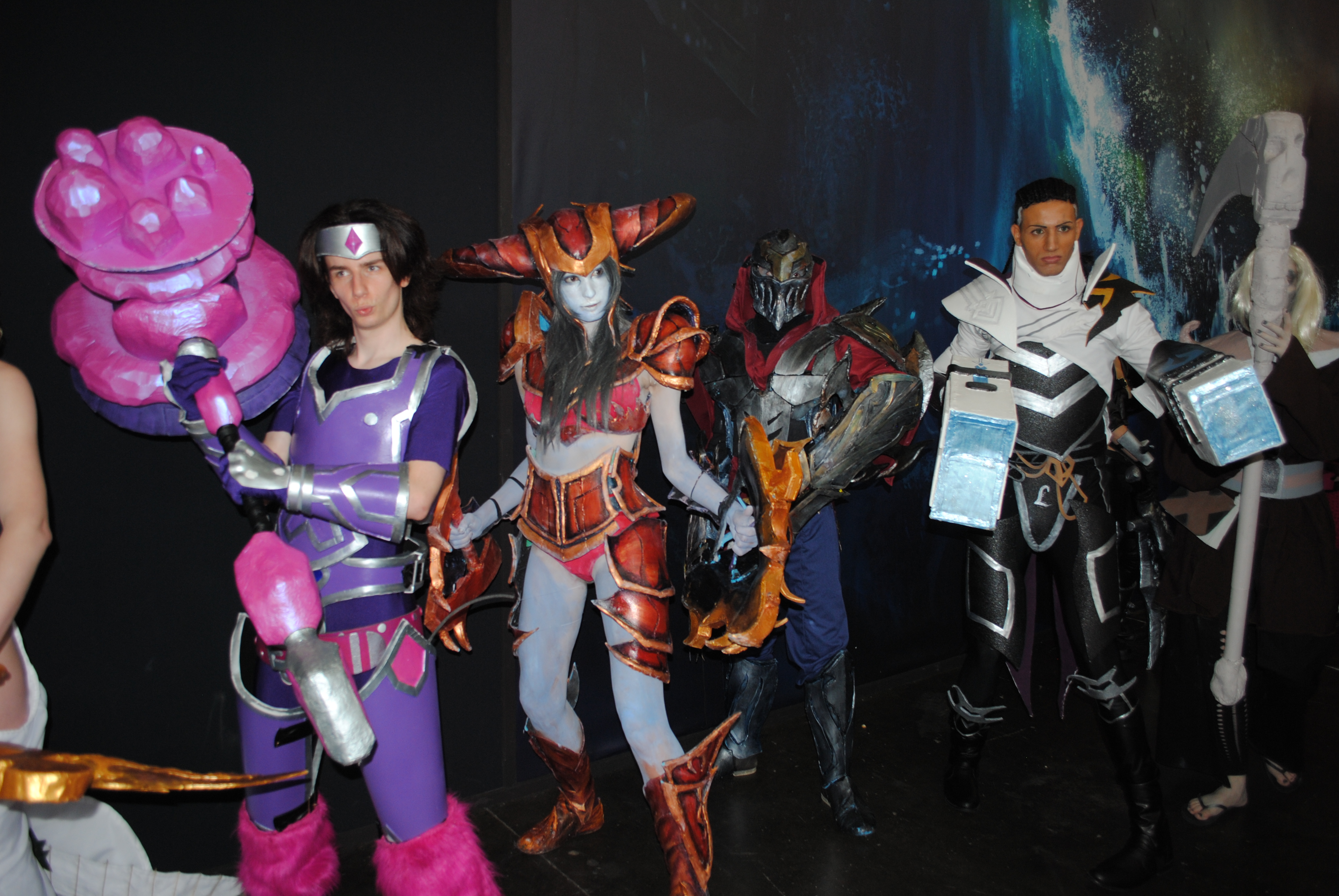Stands Japan Expo 2015 : Japan expo stand et cosplays league of legends