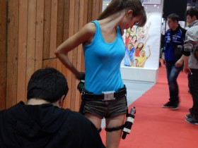 tomb-raider-lara-croft-cosplay-pgw-paris-games-week-2014-01