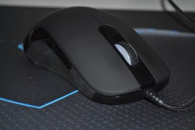 test_souris_gamer_tesoro_sharur_spectrum (1)