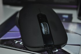 test_souris_gamer_tesoro_sharur_spectrum (9)